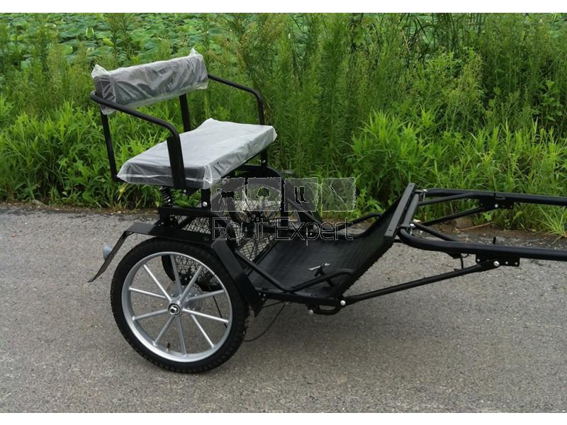 sulky poney pfiff noir voiture 2 roues pour poney 101398. Black Bedroom Furniture Sets. Home Design Ideas